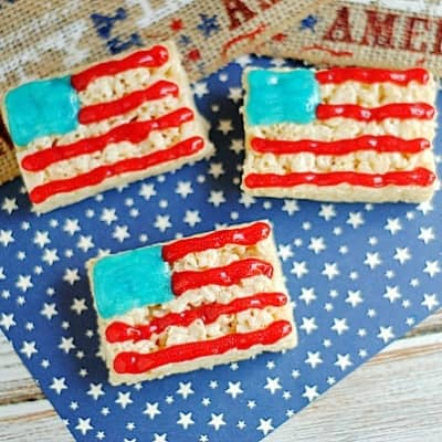 American Flag Icing on Rice Krispie Treats - Perfect for memorial day cookouts