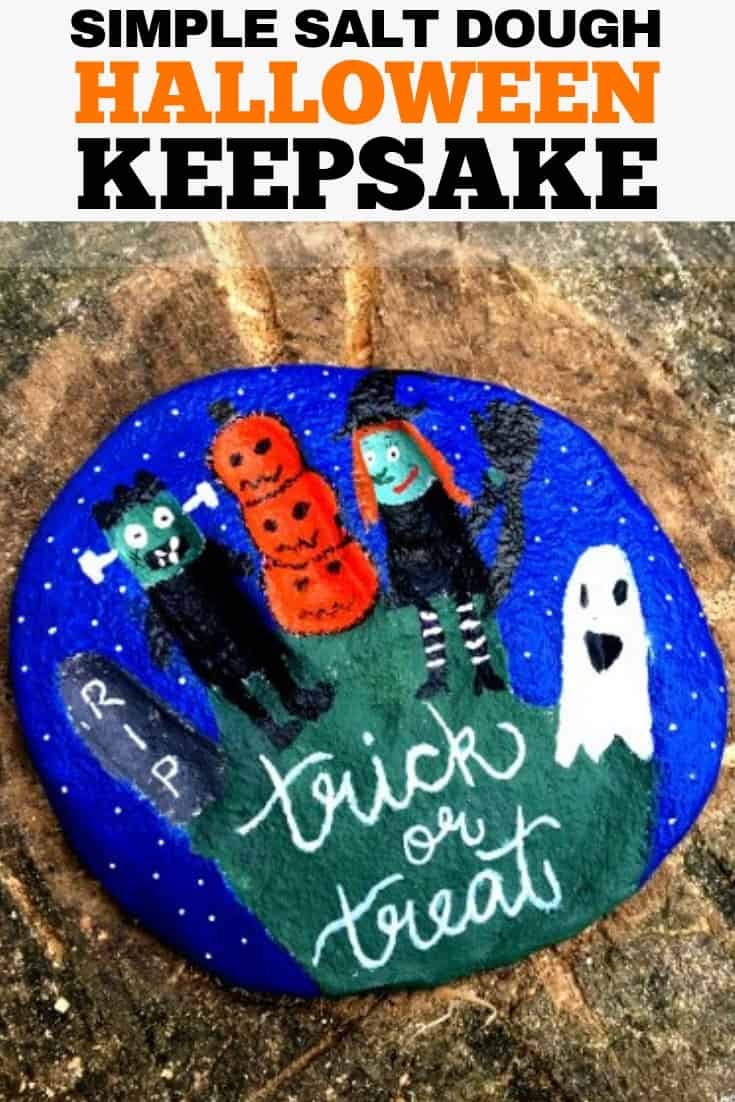 Halloween is the next big season, now that school is back in session! Classroom parties are one of the kids favorite times of the year due to those awesome crafts and games parents come up with. Check out these ideas for easy Halloween crafts for this year's classroom parties! #halloween #halloweencrafts #kidscrafts #diy