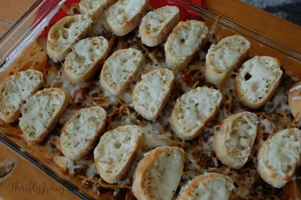 Spaghetti-and-garlic-bread-bake
