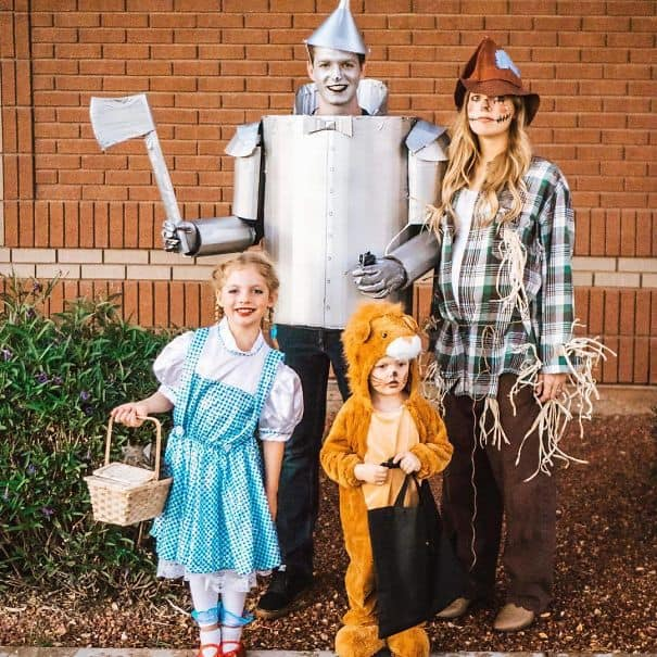 Family Halloween Costume Ideas Wizard of Oz Crew