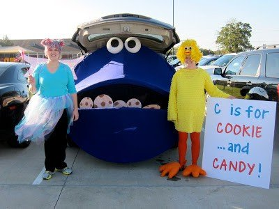 Cookie monster trunk or treat ideas