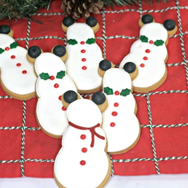 Gingerbread Snowman Cookies