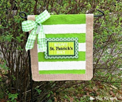 St.Patrick's Day No-Sew Garden Flag